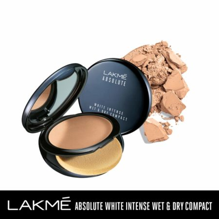 Lakme Absolute White Intense Wet & Dry Compact, Almond Honey