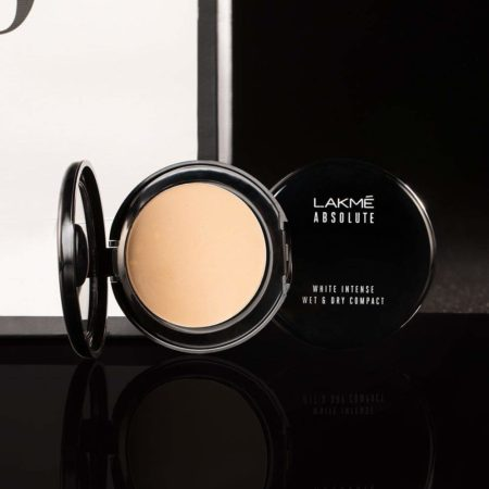 Lakme Absolute White Intense Wet & Dry Compact 9 gm