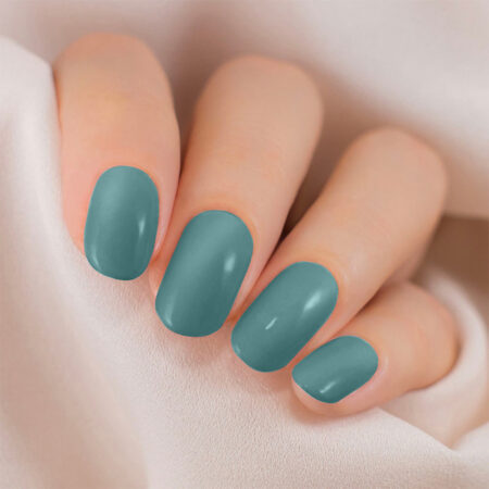 Lakme 9 To 5 Primer + Gloss Nail Colour, Teal Deal (6ml)